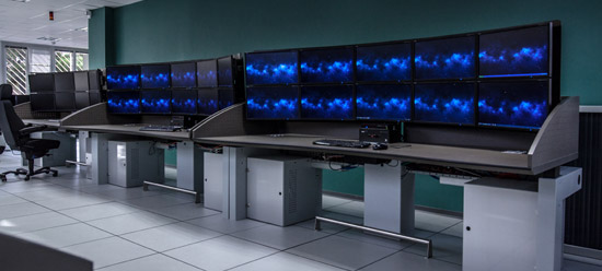 Multicreens workstations for DCNS France
