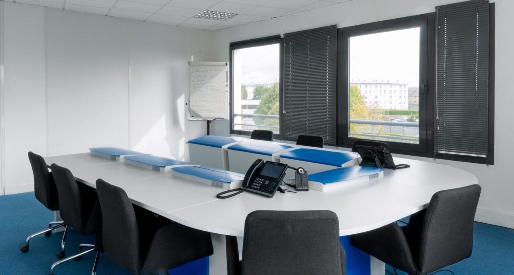 Ultimate versatile meeting table for Zaacom