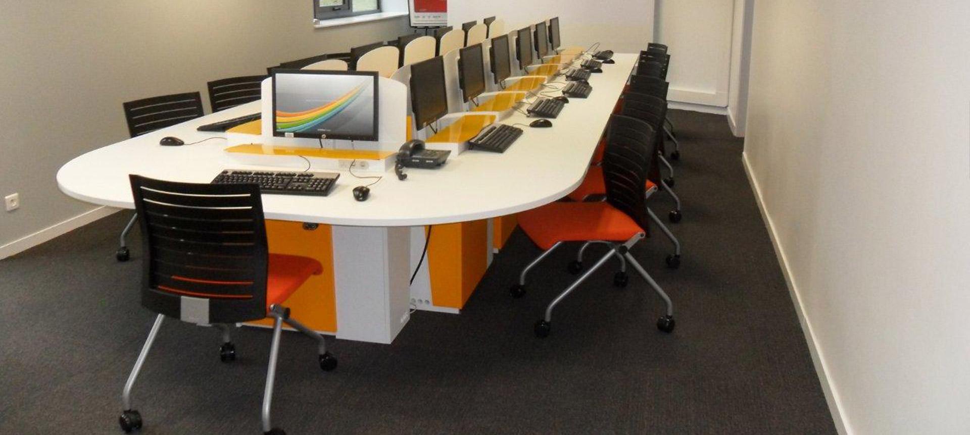 I-RISE - table de réunion et formation pour le CAAV
