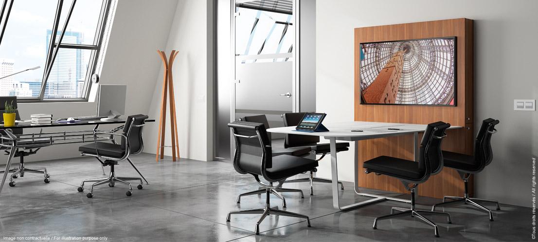 Mobilier de réunion connecté pour espace collaboratif