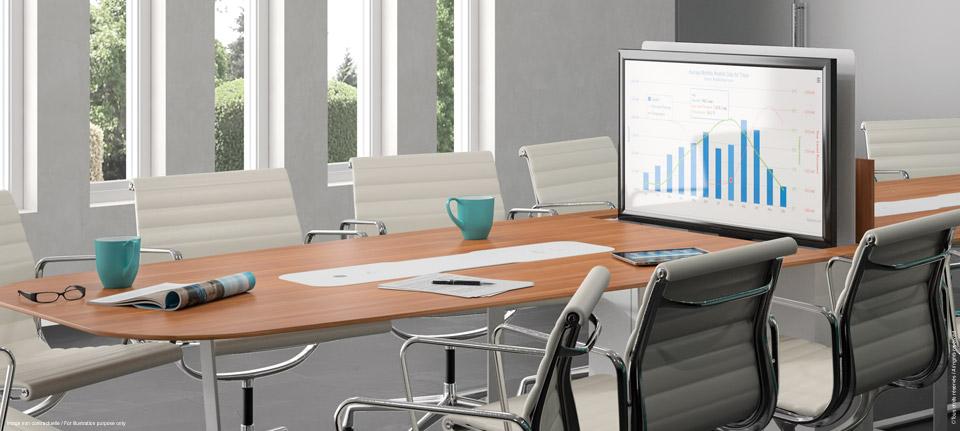 Table de réunion connectée avec écran rétractable pour vos salles de formation