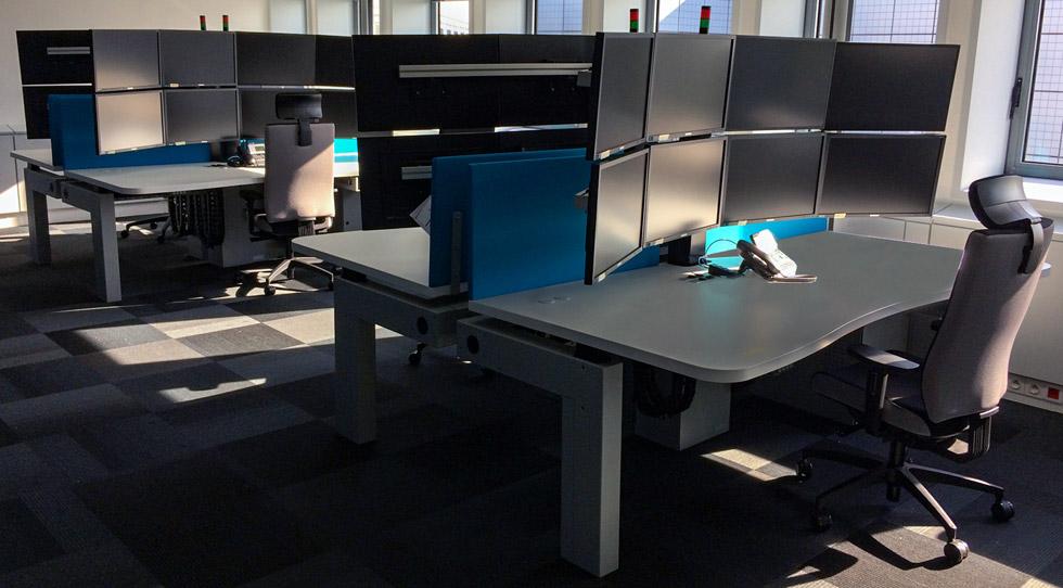 I-Kube poste opérateur multi-écrans pour salle de commande RTE