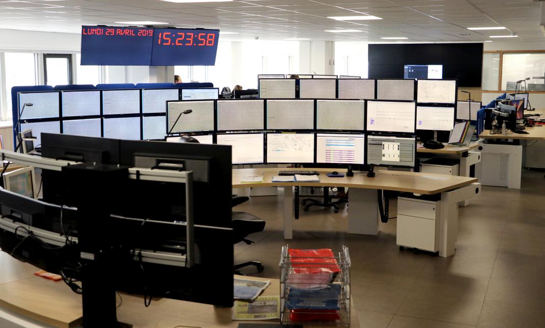 Postes opérateurs I-Kube salle de supervision SNCF